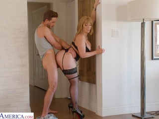 Fucking in the doorjamb seems ok for busty MILFie bombshell Sara Jay