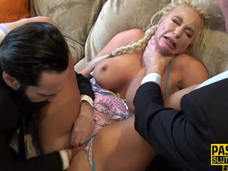 Milf sub fisted in 3way